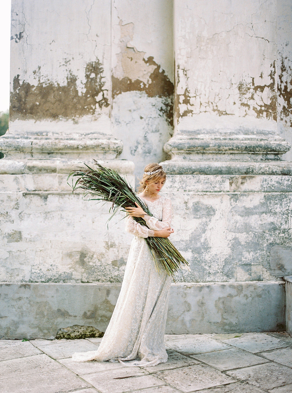 wedding inspo - photo by Zhenya Savina http://ruffledblog.com/russian-swan-princess-bridal-inspiration