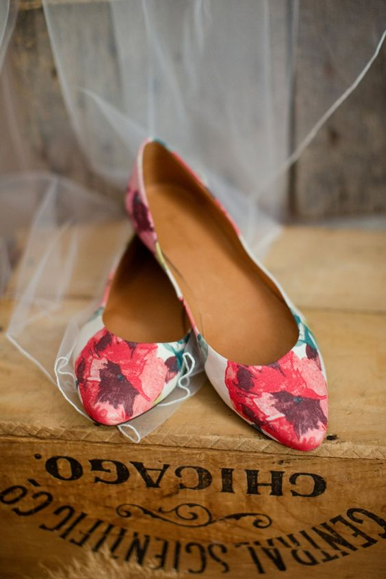 red poppies print flats are a comfy choice for any wedding