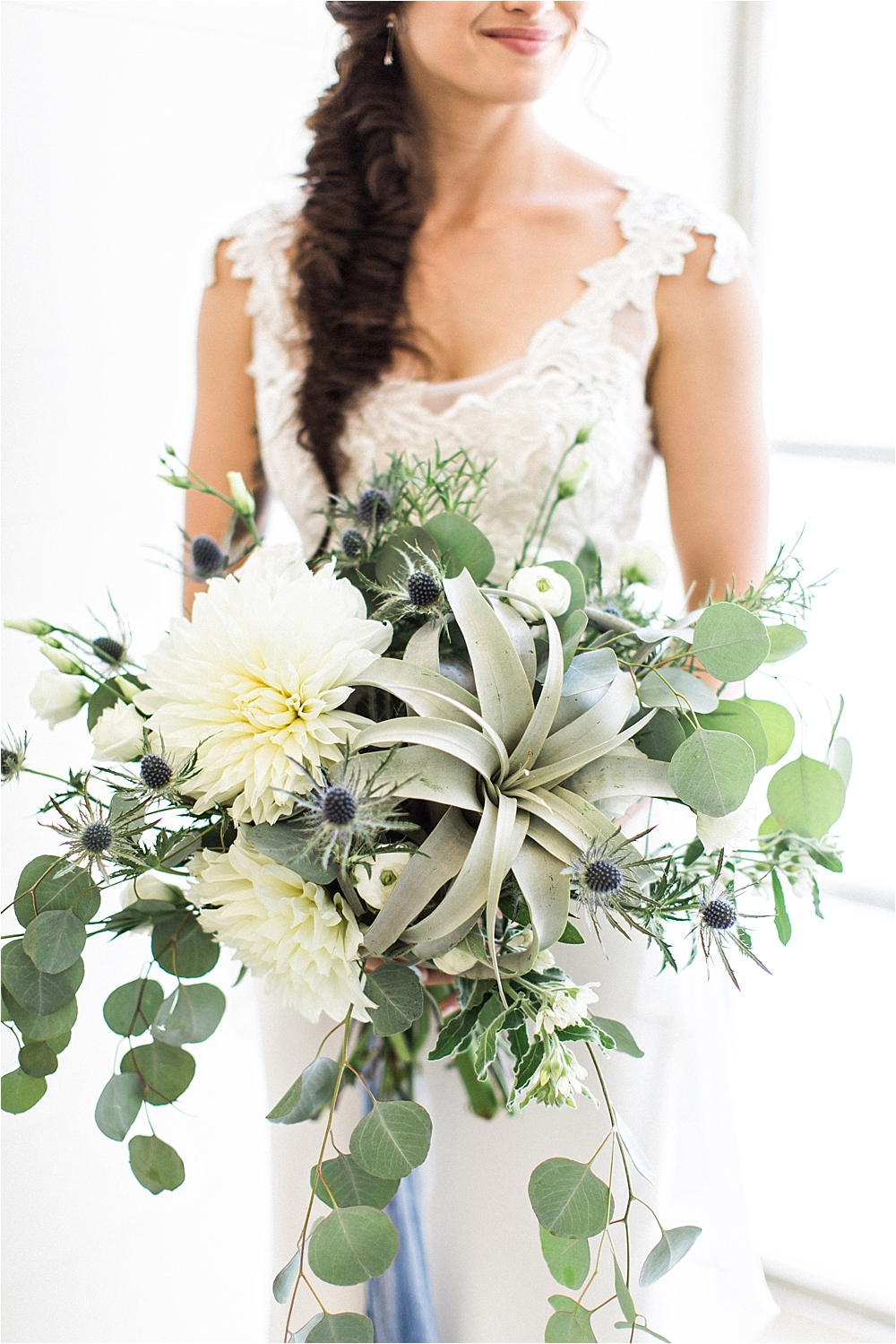 air plant wedding bouquets - photo by Flora and Fauna http://ruffledblog.com/modern-bohemian-wedding-with-an-air-plant-bouquet