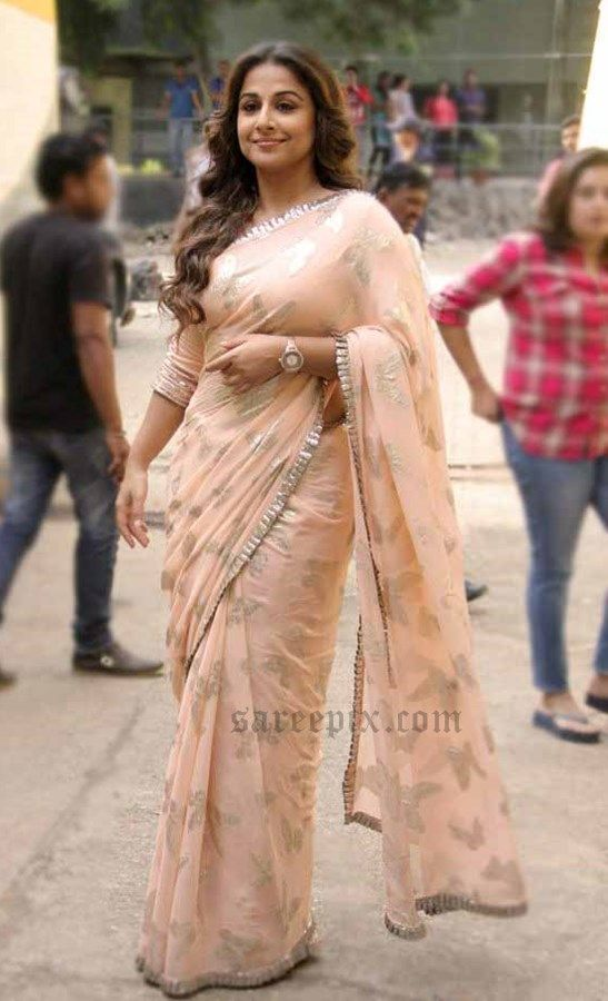 16 ways to wear saree for curvy women (6)