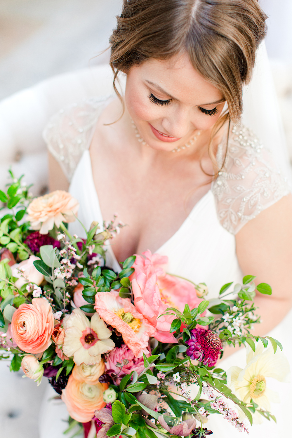 wedding beauty - photo by Lauren Lee Photography http://ruffledblog.com/modern-grecian-inspired-wedding-ideas