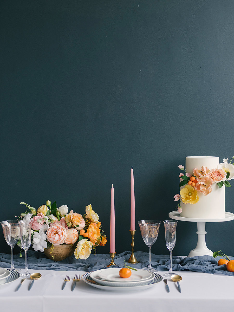 modern wedding tables - photo by Ashlee Brooke Photography http://ruffledblog.com/summertime-citrus-wedding-inspiration