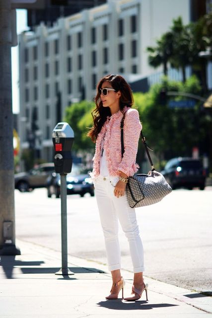 With white shirt, white jeans and printed bag