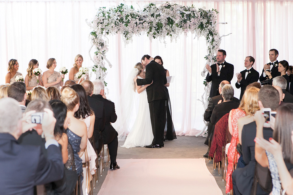 wedding ceremonies - photo by 5ive15ifteen http://ruffledblog.com/elegant-wedding-at-the-toronto-royal-conservatory-of-music