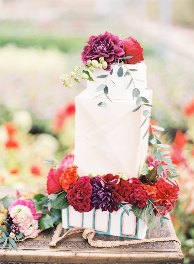 Flower themed wedding cake | Lauren Gabrielle Photography