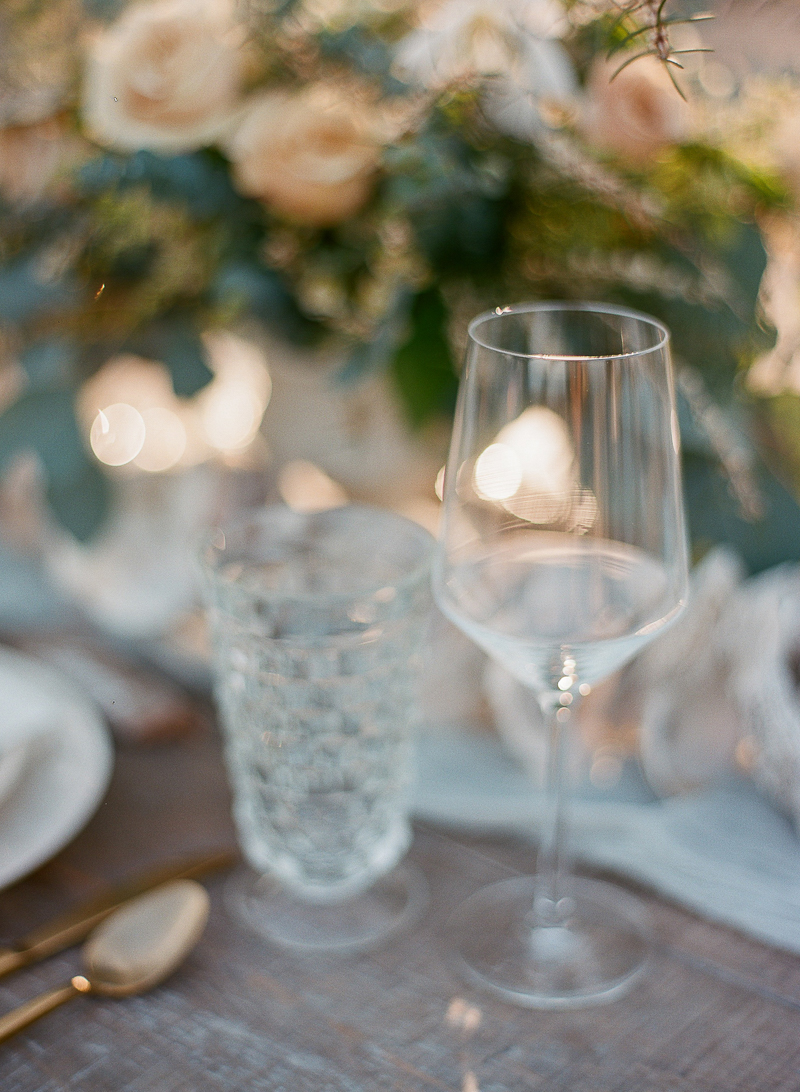 wedding drinkware - photo by The Ganeys http://ruffledblog.com/intimate-wedding-inspiration-on-driftwood-beach