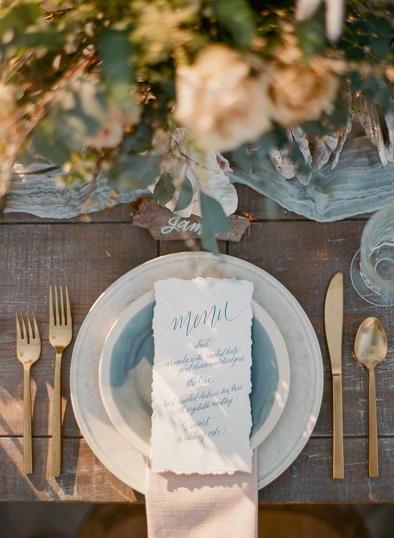 romantic place settings - photo by The Ganeys http://ruffledblog.com/intimate-wedding-inspiration-on-driftwood-beach