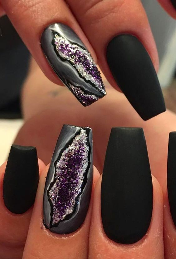 black matte nails with accent amethyst ones for a statement