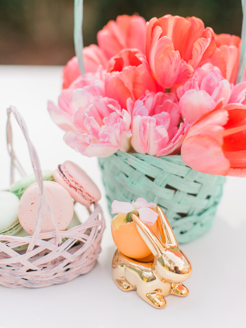 Easter tulips - photo by The Happy Bloom http://ruffledblog.com/happy-bright-easter-party-inspiration