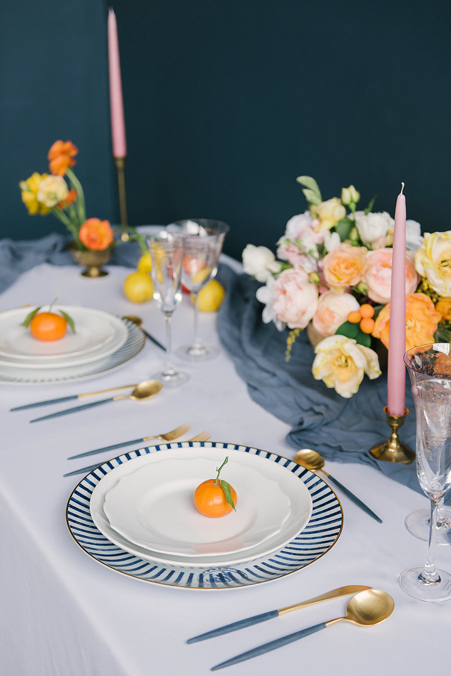 wedding tablescapes - photo by Ashlee Brooke Photography http://ruffledblog.com/summertime-citrus-wedding-inspiration