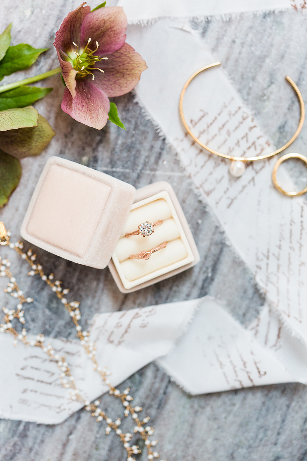 wedding jewelry - photo by Lauren Lee Photography http://ruffledblog.com/modern-grecian-inspired-wedding-ideas