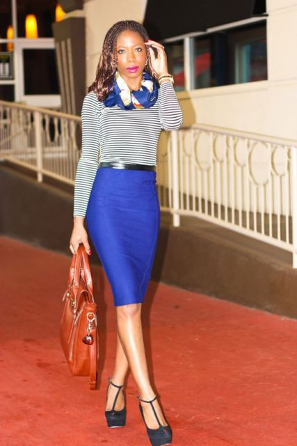 With striped shirt, gray platform shoes, red big bag and scarf