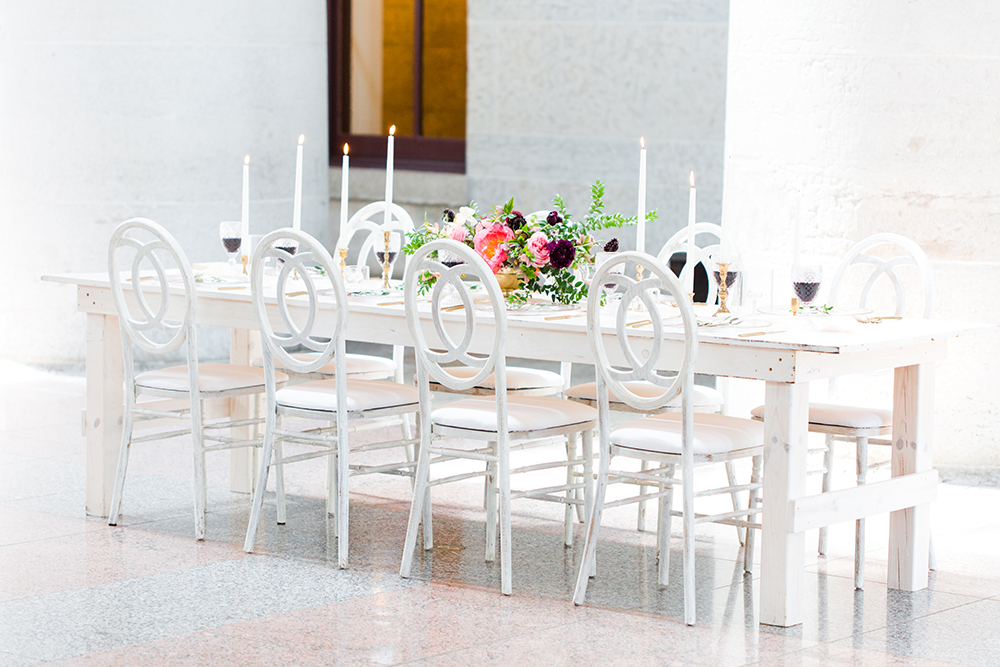 wedding tables - photo by Lauren Lee Photography http://ruffledblog.com/modern-grecian-inspired-wedding-ideas