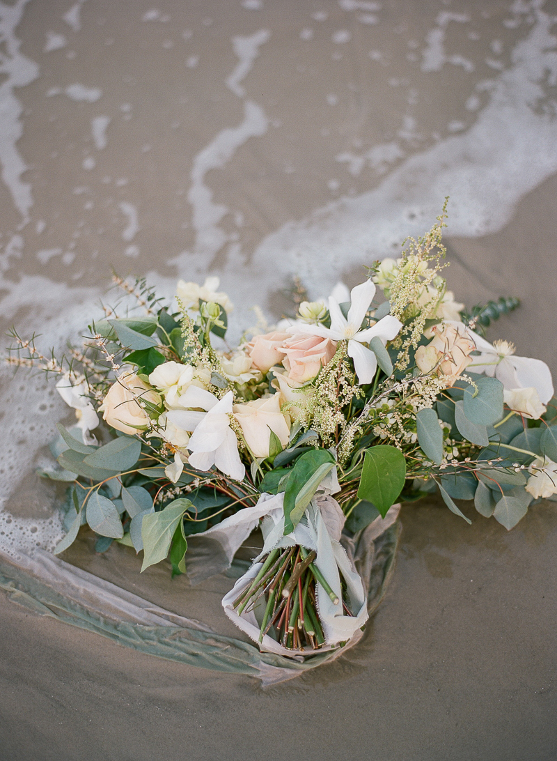 beach wedding bouquets - photo by The Ganeys http://ruffledblog.com/intimate-wedding-inspiration-on-driftwood-beach