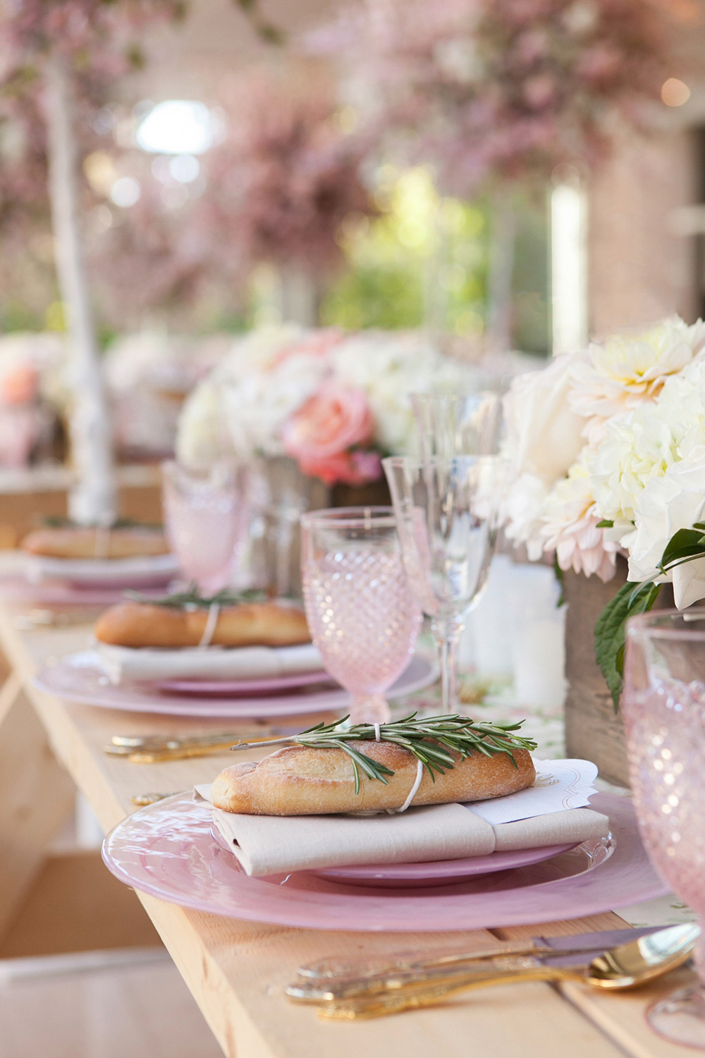 pink tablescapes - photo by 5ive15ifteen http://ruffledblog.com/elegant-wedding-at-the-toronto-royal-conservatory-of-music