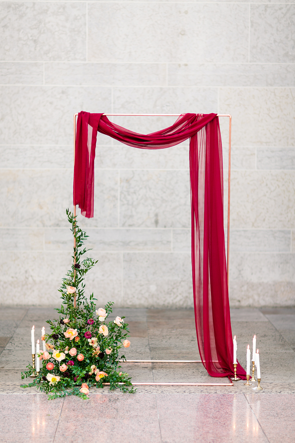 ceremony setups - photo by Lauren Lee Photography http://ruffledblog.com/modern-grecian-inspired-wedding-ideas