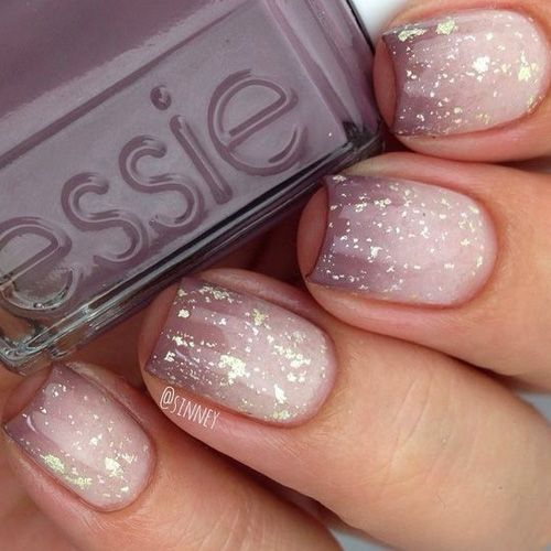 soft purple into neutral manicure with glitter
