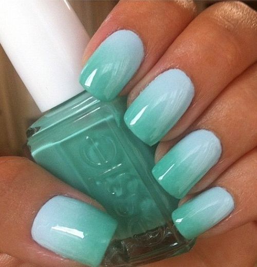 subtle mint into green nails for summer holidays