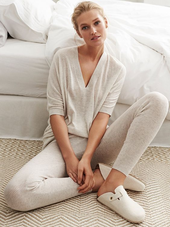comfy off-white pyjamas with leggings and a V cut top