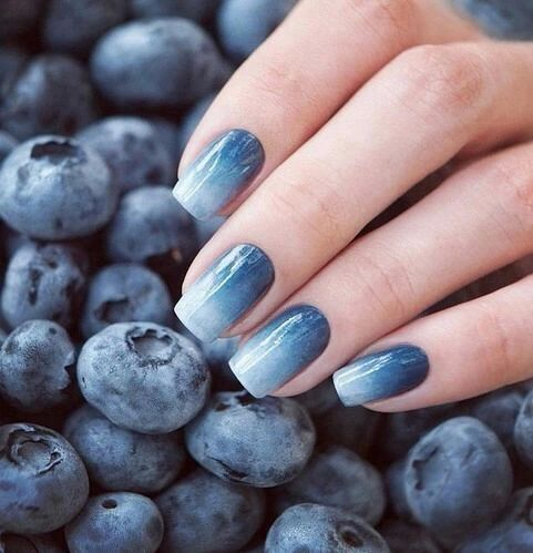 blueberry-inspired ombre nails into a very subtle shade