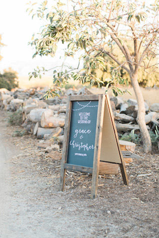 Welcome wedding chalk sign | Jenny Quicksall Photography