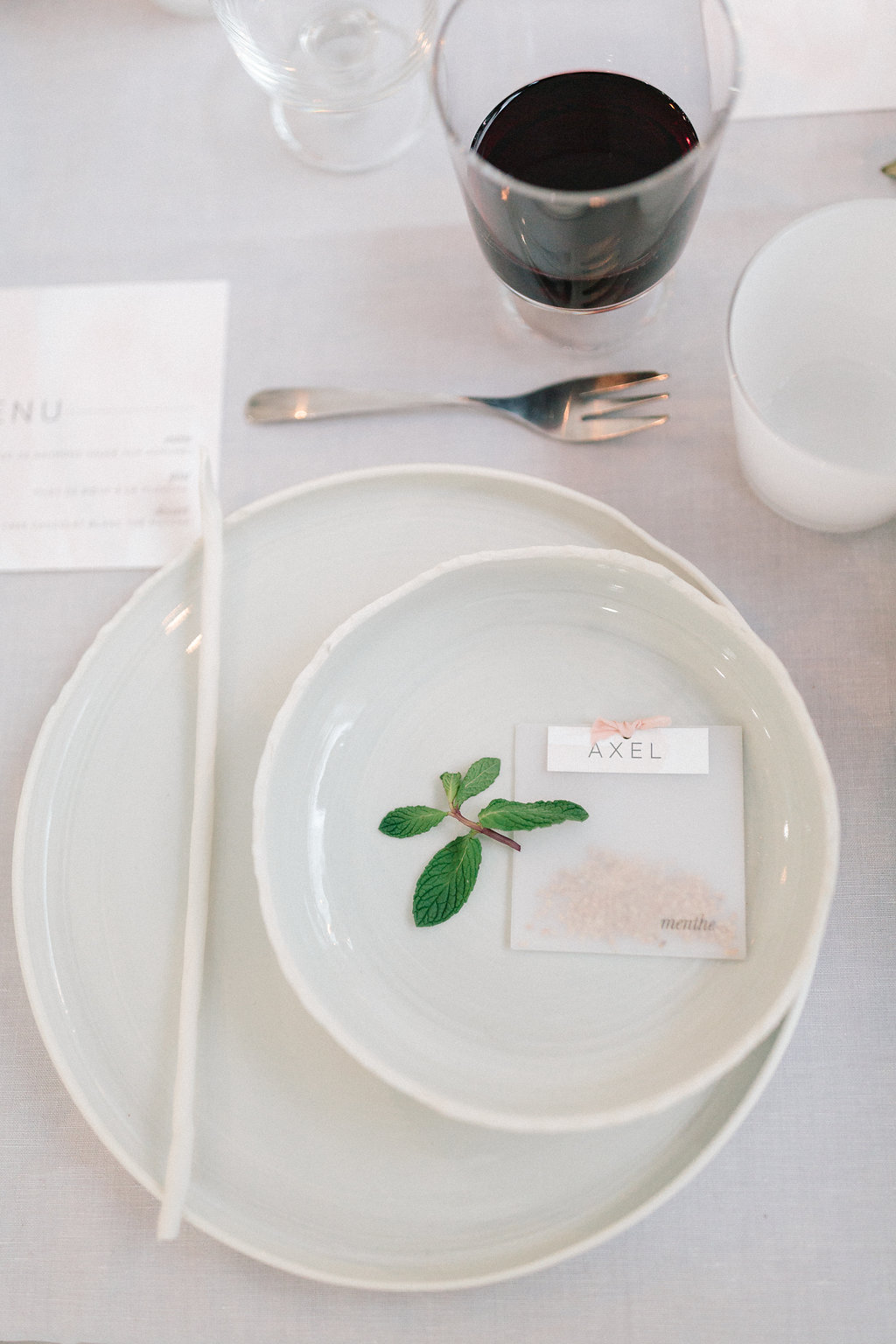 simple place settings - photo by Julien Bonjour Photographe http://ruffledblog.com/airy-industrial-wedding-inspiration-for-spring