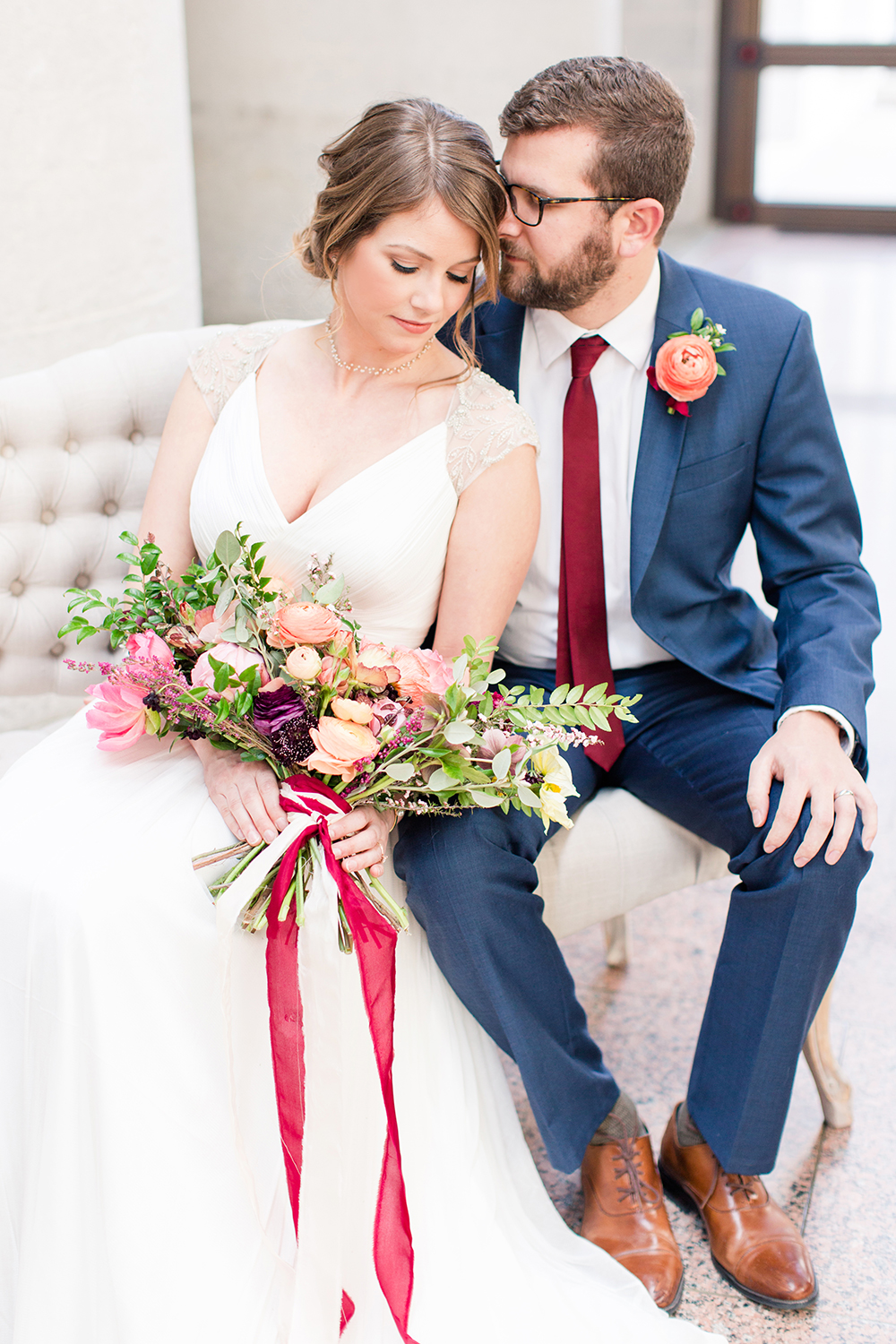 wedding inspo - photo by Lauren Lee Photography http://ruffledblog.com/modern-grecian-inspired-wedding-ideas