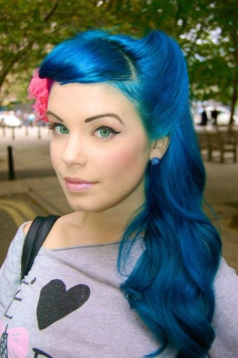 very bold blue hair with waves looks very mermaid-like