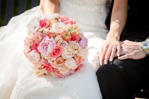 Coral bridal bouquet - Freeland Photography