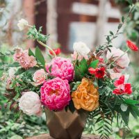 Colorful wedding flowers - Gideon Photography