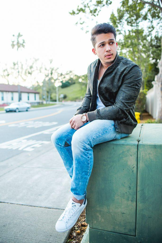 how to wear blue jeans for men (4)