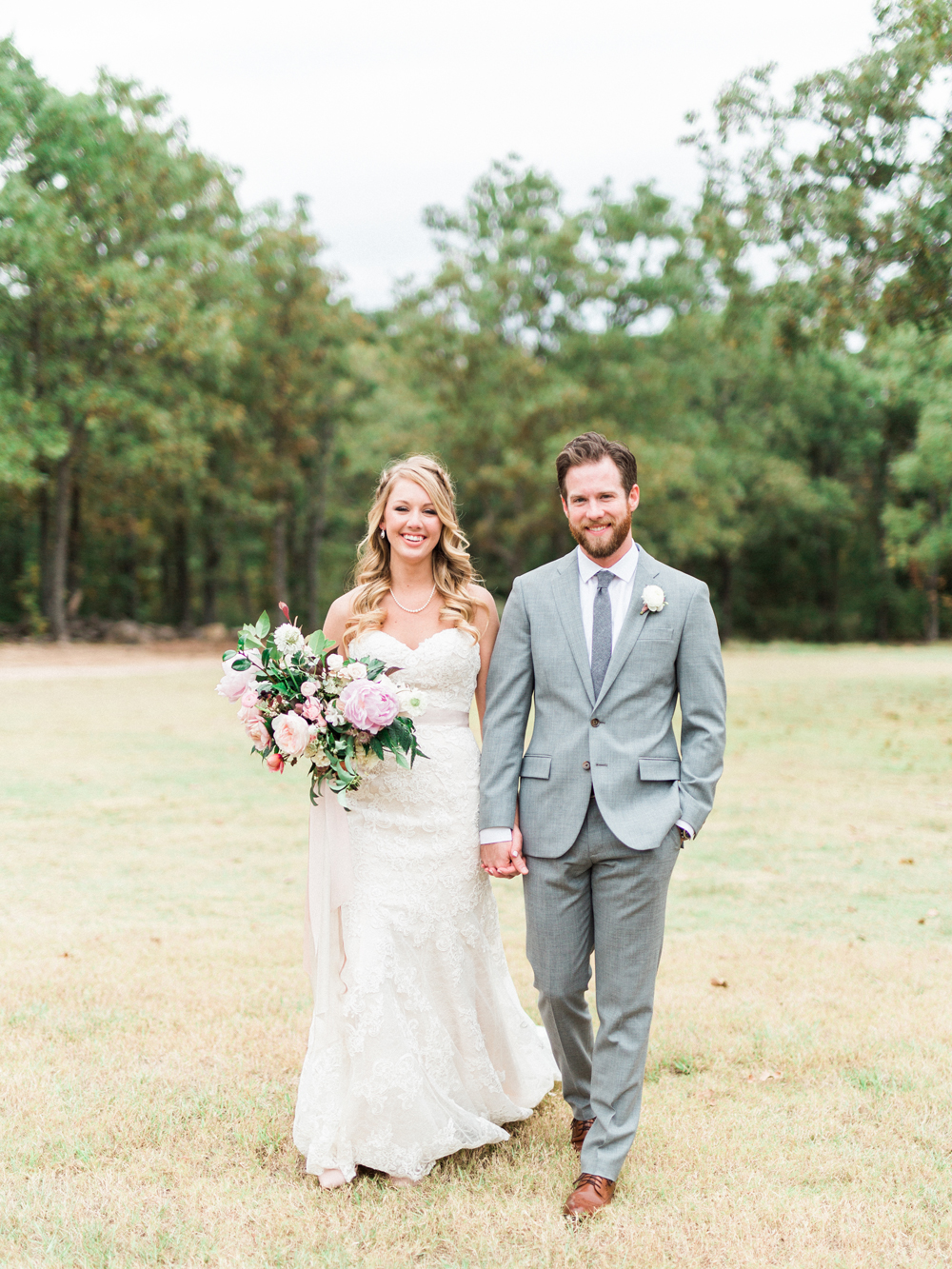 wedding portraits - photo by Elisabeth Carol Photography http://ruffledblog.com/picturesque-garden-wedding-at-white-sparrow-barn