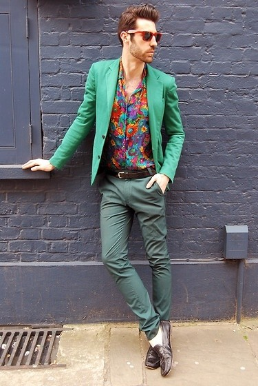 how to wear a floral shirt outfit for men (3)