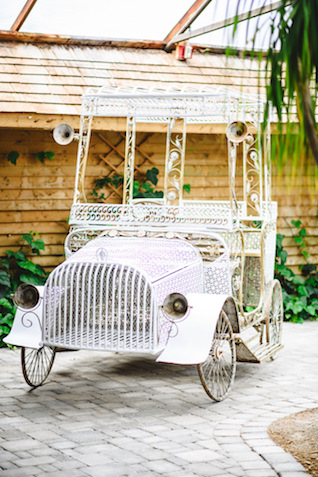 Yard art | Jessilynn Wong Photography