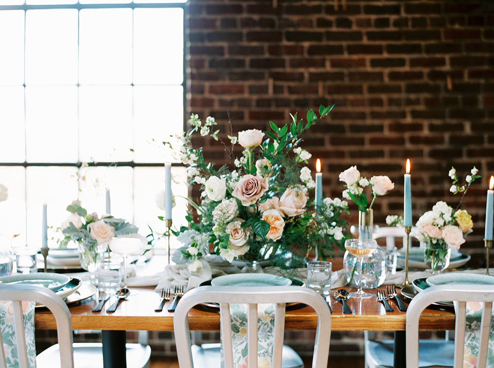 wedding tables - photo by Photos by Heart http://ruffledblog.com/downtown-birmingham-spring-wedding-inspiration