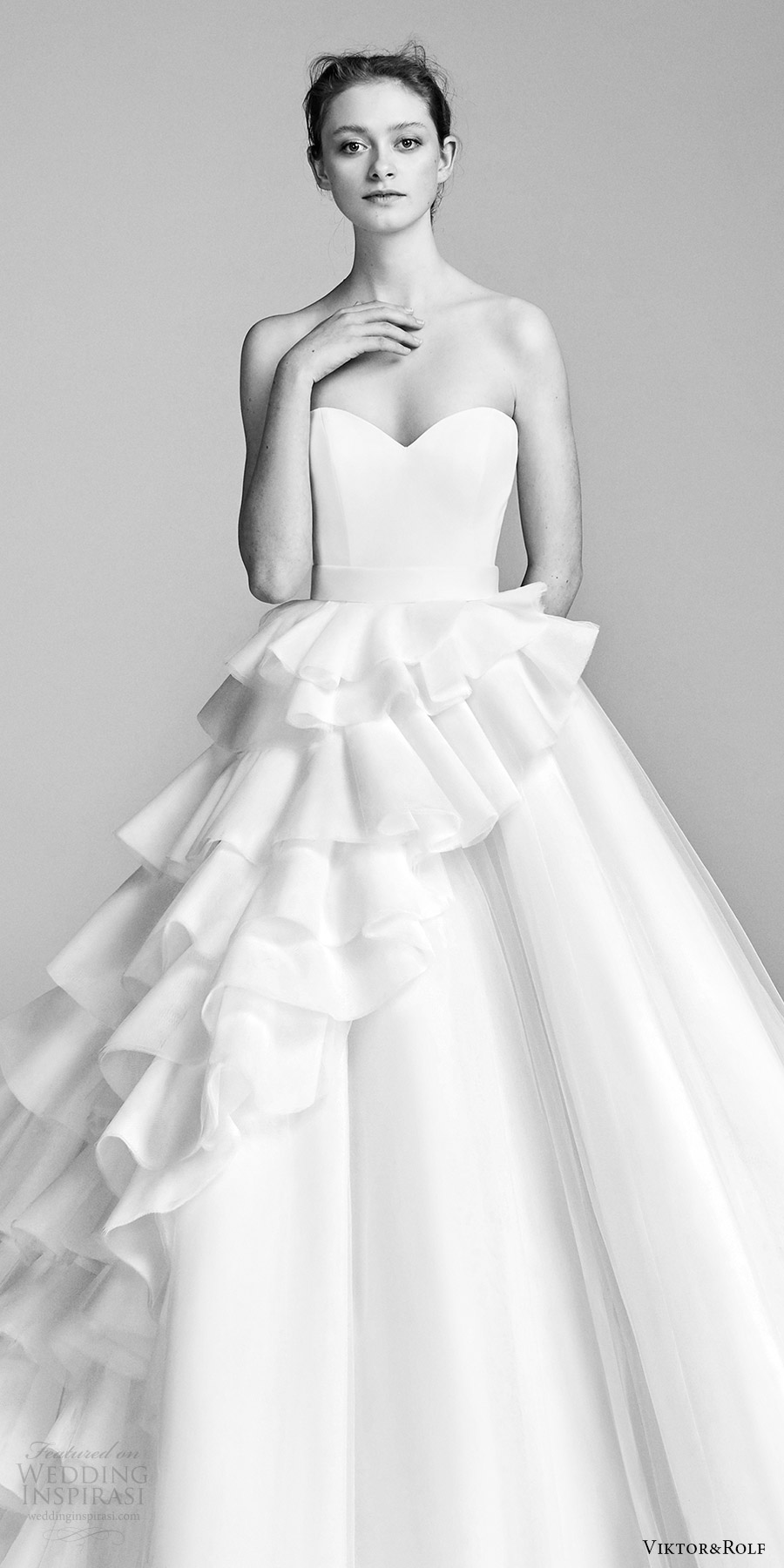 viktor and rolf spring 2018 bridal strapless sweetheart ruffle skirt a line wedding dress (2) zv romantic