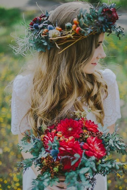 boho bridal crown with thistle, greenery and bold blooms