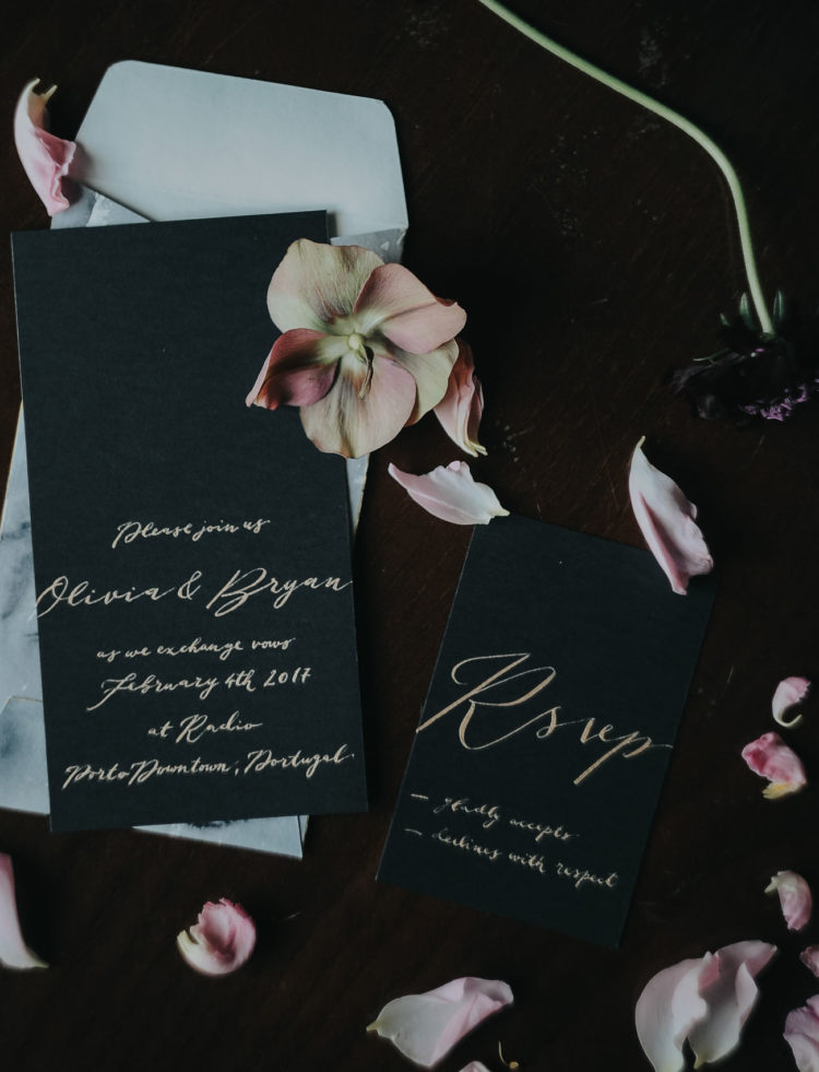 The stationary was black and gold, simple yet elegant