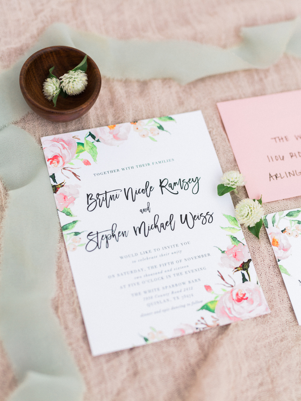wedding stationery - photo by Elisabeth Carol Photography http://ruffledblog.com/picturesque-garden-wedding-at-white-sparrow-barn