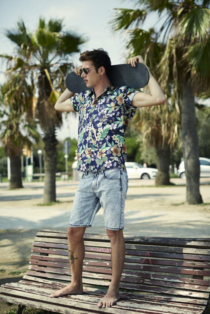 how to wear a floral shirt outfit for men (18)