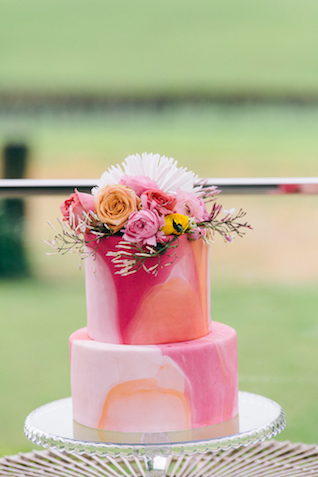 Orange and pink marbleized wedding cake | Katie Hillary Photography