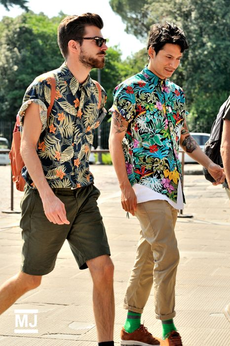 how to wear a floral shirt outfit for men (12)