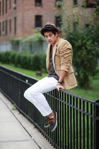 how to wear white jeans for men (22)