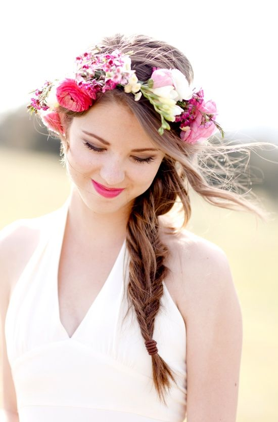 bold pink flower crown and a matchin lip for a bold summer wedding