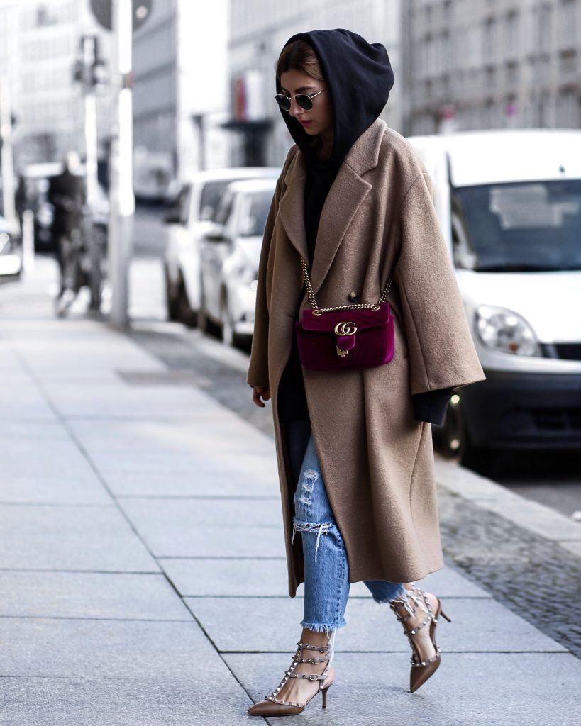 Outfits with Velvet Handbags (10)