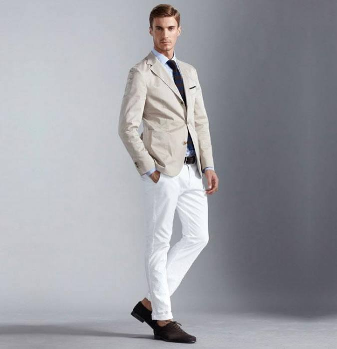 how to wear white jeans for men (25)