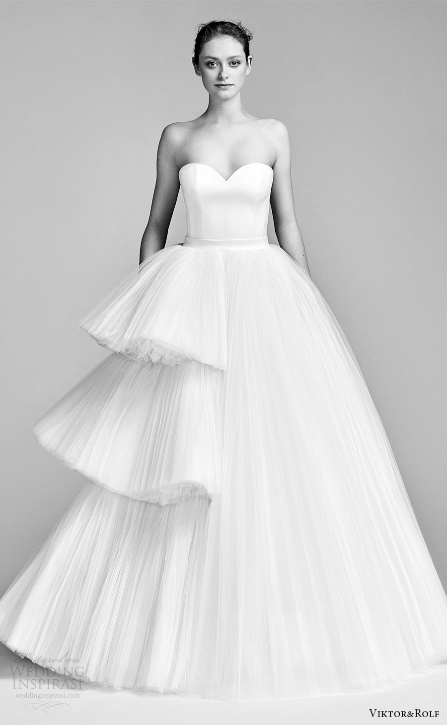 viktor and rolf spring 2018 brida strapless sweetheart ball gown wedding dress (19) mv tiered ruffle skirt romantic modern
