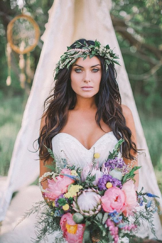a greenery and herb crown is the best choice to avoid a dull bloom look