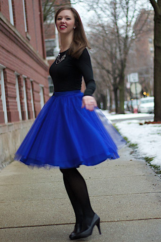 how to wear cobalt blue skirts (3)