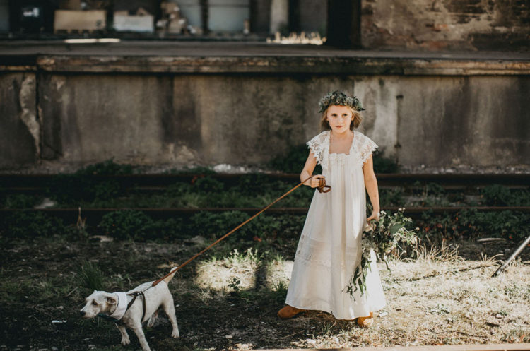 chic flower girl look